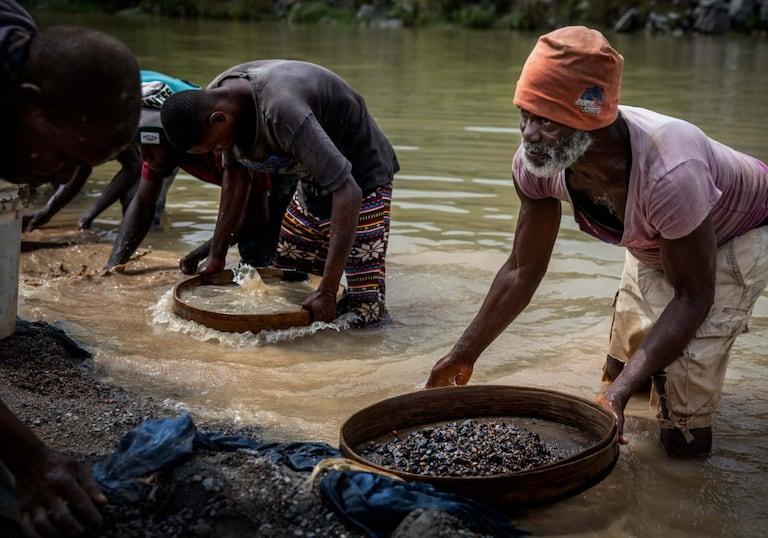 Diamanten, Sierra Leone, Blutdiamanten Diamantensucher Kai Sa Thomas